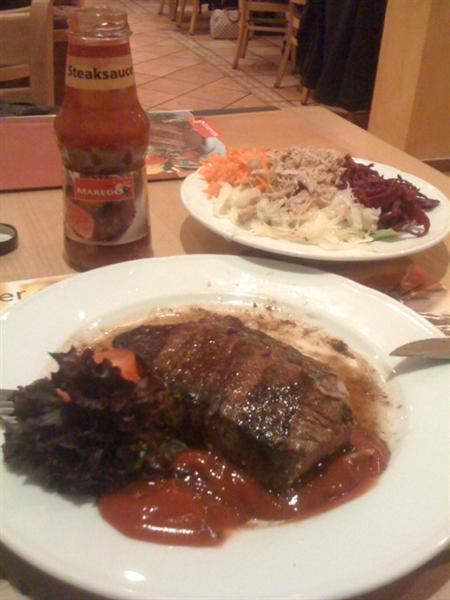 Unterwegs essen mit Low Carb - Steak und Salat satt!