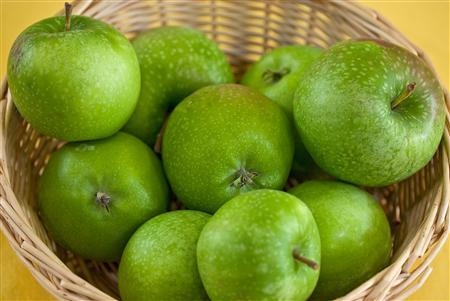 Gegen Heißhunger auf Süßes hilft beim Abnehmen ein Apfel