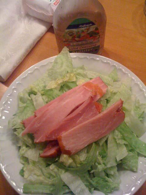 Low Carb Rezept mit leckerem Salat und Fleisch